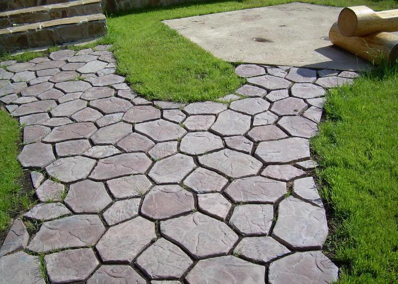 Основные этапы укладки тротуарной плитки на даче | Красивый сад ... | 571x800