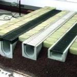 Как сделать водосток для тротуарной плитки своими руками