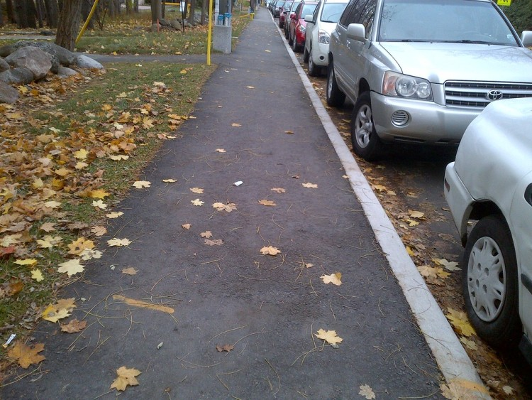 Асфальтовый тротуар
