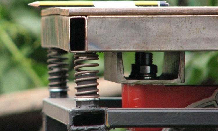 Какие инструменты и материалы потребуются для изготовления вибростола