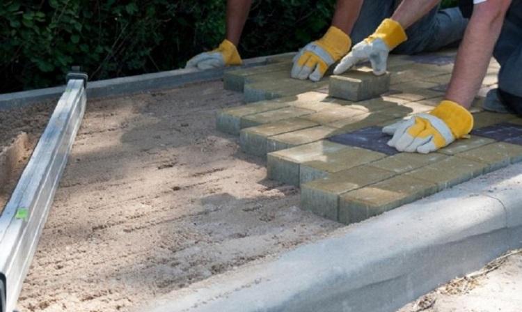 Подготовка основания для укладки тротуарной плитки своими руками