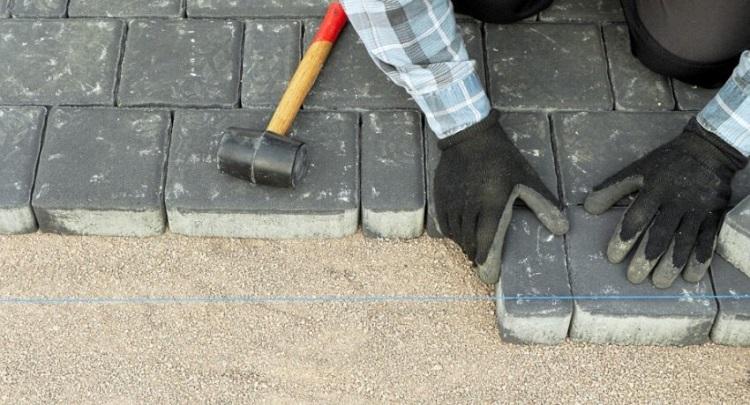 Работы по подготовке для укладки тротуарной плитки на песок