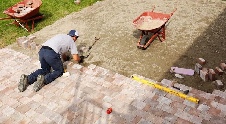 Технология укладки тротуарной плитки на песок - несколько полезных советов