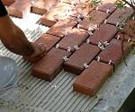 Какой клей лучше выбрать для укладки тротуарной плитки на бетон