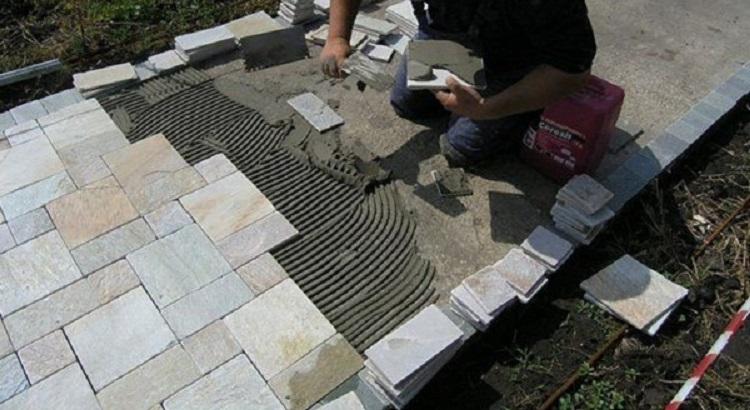 Как уложить тротуарную плитку на бетонное основание своими руками
