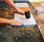 Правила укладки тротуарной плитки своими руками - пошаговая инструкция
