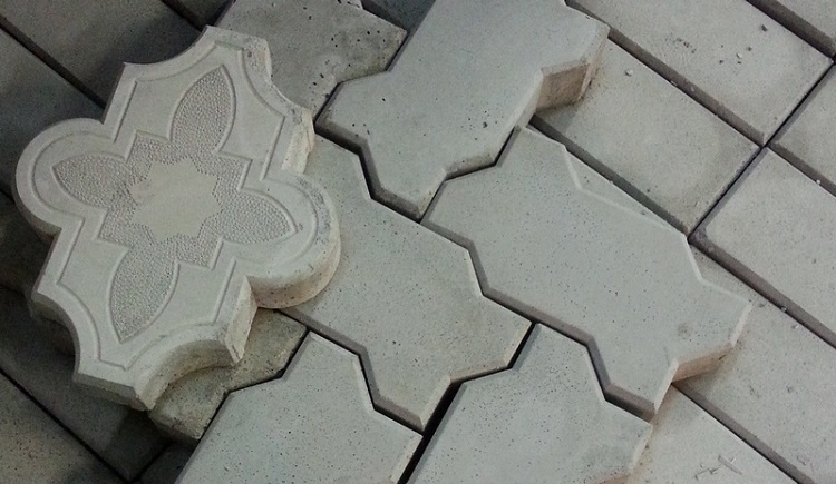 Как сделать тротуарную плитку своими руками